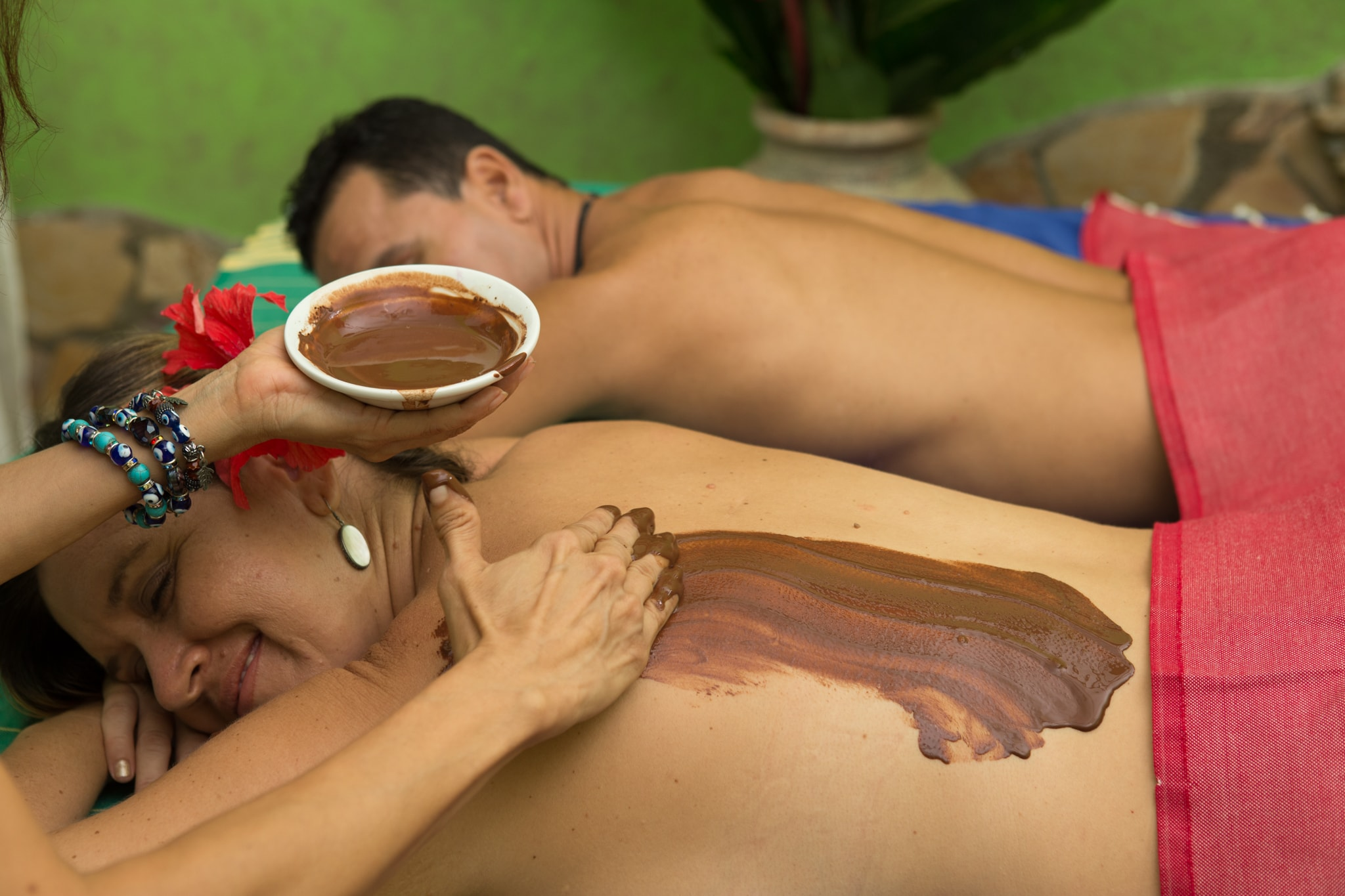 Holistic Couples Massage and chocolate body scrub